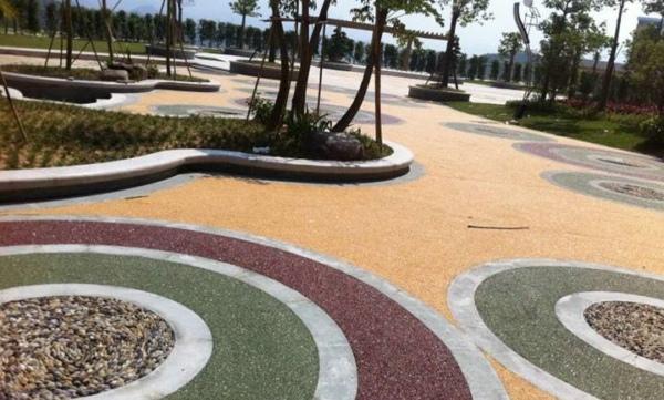 用环氧彩砂打造的景观地坪更富有美感