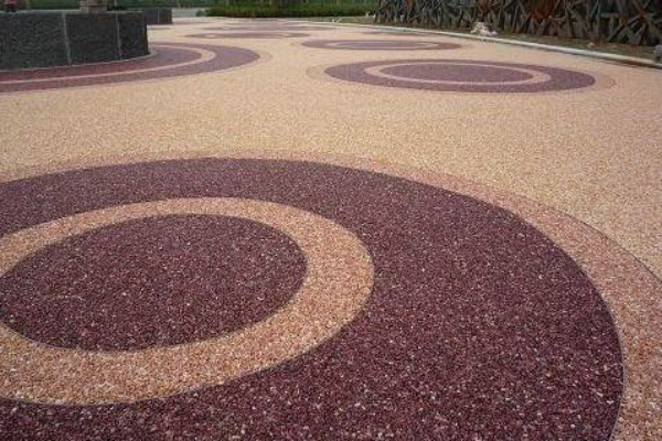 陶瓷彩砂颗粒材料做路面地坪实用吗?
