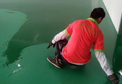 环氧防滑地坪多少钱?防静电地板的特点是什么?
