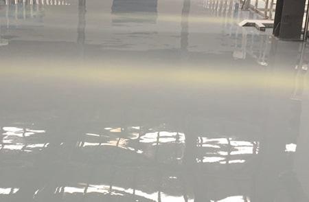 做自流平地坪漆遇到漆膜开裂的情况怎么处理?