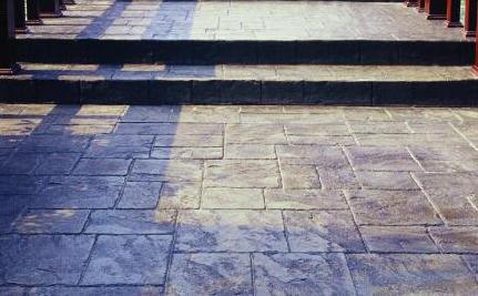 压花地坪使用在哪些地方?压花地坪有什么特点?